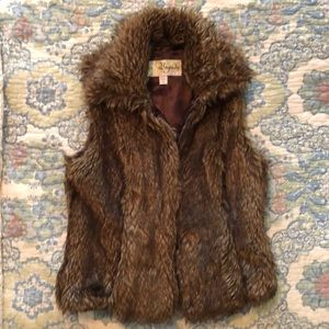 Baguda Brand from Nordstrom Faux Fur Vest Small